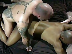 Bald guy Peto Coast fuck black ass hole. Strong budy, sexy ass with angel wings and black dude..